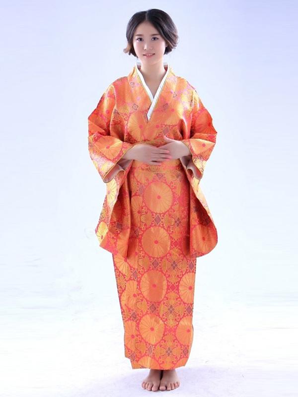 Halloween kimono vestito arancio giapponese tradizionale for Vestito tradizionale giapponese femminile