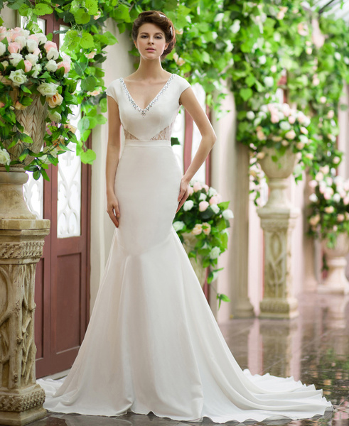 Ivory Mermaid V-Neck Rhinestone Court Train Wedding Dress For Bride Milanoo фото