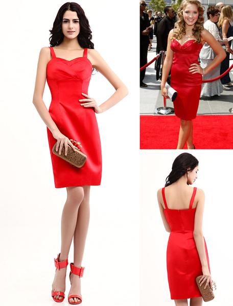 Satin Etui-Abendkleid mit Herz-Ausschnitt und Falten in Rot, knielang