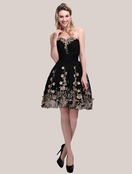 Black Prom Dress with Sweetheart Neck and Ruched A-line Tulle Skirt Milanoo