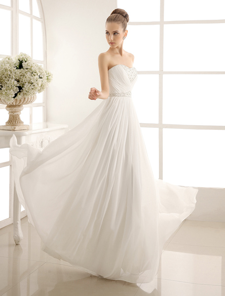 strapless tiered wedding dress in floor-length