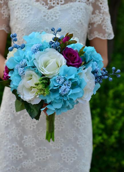 Wedding Flower Bouquet Blue Hand-tied Silk Flower Bridal Bouquet