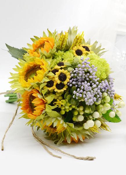 Image of Nozze fiori Bouquet mano legata nuziali fiori di seta In foresta verde