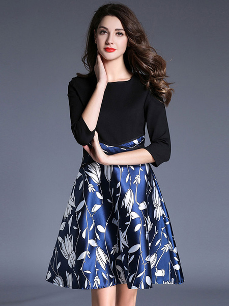 Women's Skater Dress Chic Round Neck 3/4 Length Sleeve Floral Print Pleated A-Line Flare Dress