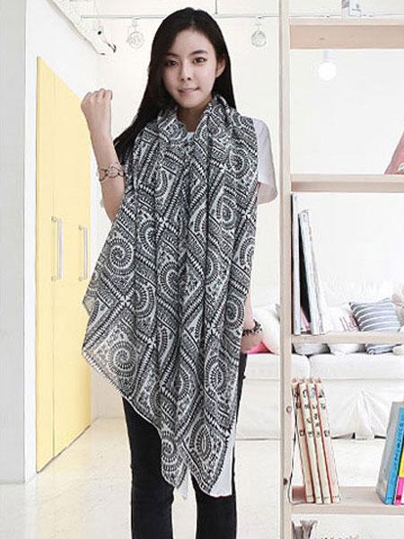 Black Cotton Scarf Women's Geometric Printed Lightweight Scarf