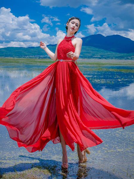 Sans manches Stud robe en mousseline de soie rouge Halter cou dentelle robe Maxi féminin Sexy Split