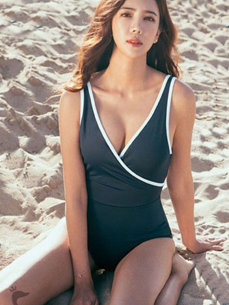 One Piece Swimsuit Deep Blue Strappy V Neck Sleeveless Criss Cross Beach Swimwear фото