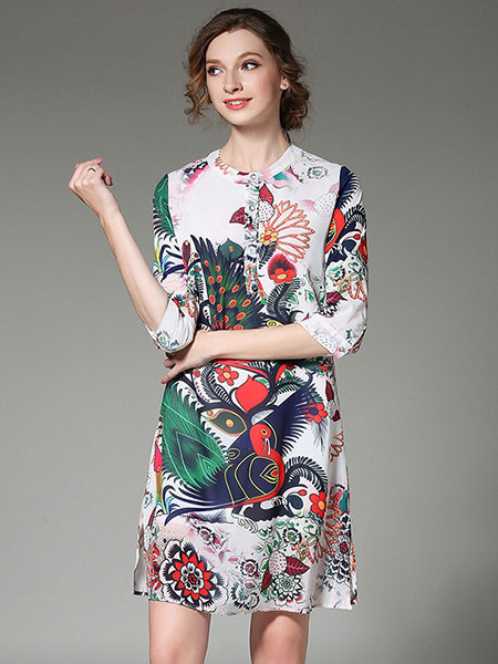 White Shift Dress Jewel Neck Half Sleeve Printed Casual Dress фото