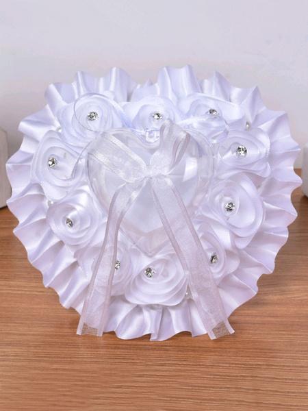 Image of Cuscino per anello con portachiavi in raso con volant in pizzo bianco