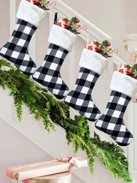 Image of Sacchetti regalo di Natale Decorazioni appese per porta di Natale Sacchetti regalo di calze natalizie in tessuto scozzese