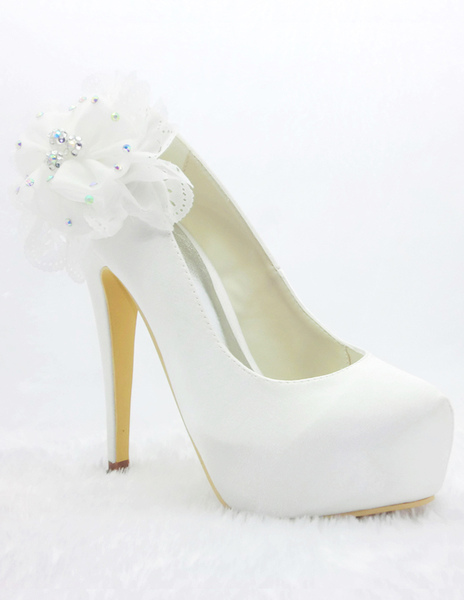 Noble White Satin Floral Wedding Pumps фото