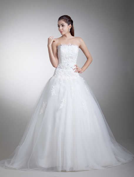 Chic White Strapless Applique Net Bridal Wedding Gown фото