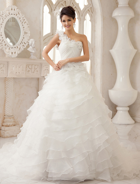 Ivory A-line One-Shoulder Ruched Court Train Bridal Wedding Dress Milanoo фото