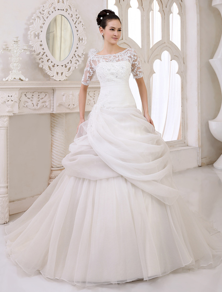 Classic Chapel Train Ivory Bridal A-line Wedding Dress with Scoop Neck Pleated Organza