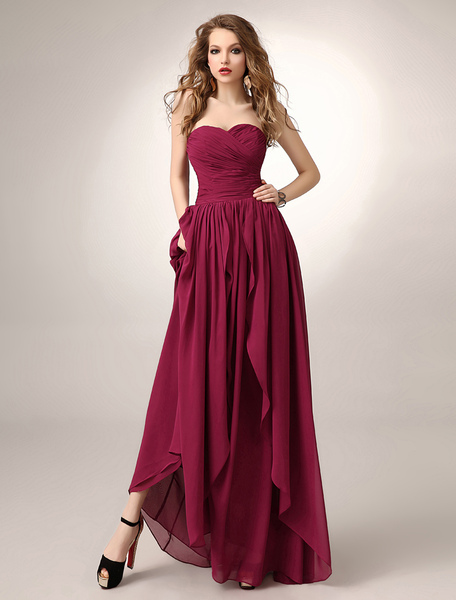 Floor-Length Burgundy A-line Ruched Chiffon Bridesmaid Dress with Sweetheart Neck