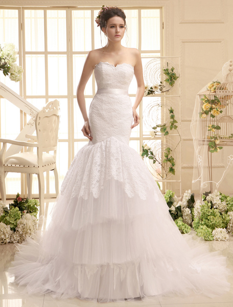 Court Train Sweetheart Neck Strapless Sash White Brides Wedding Dress фото
