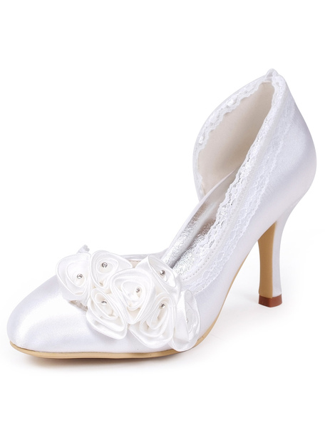 Pretty White Edging Almond Toe Silk And Satin Bridal Pumps With Flower Decor фото