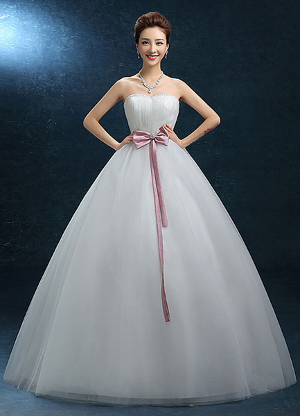 Sweatheart Wedding Dress Strapless Ball Gown Beading Bridal Dress Tulle Backless Bow Ribbon Sash Flo фото