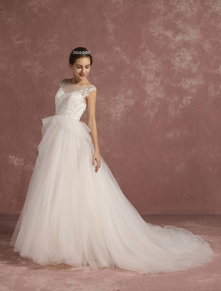 Princess Wedding Dress Tulle Backless Bridal Gowns Chapel Train Lace Applique Sleeveless Layered Ill