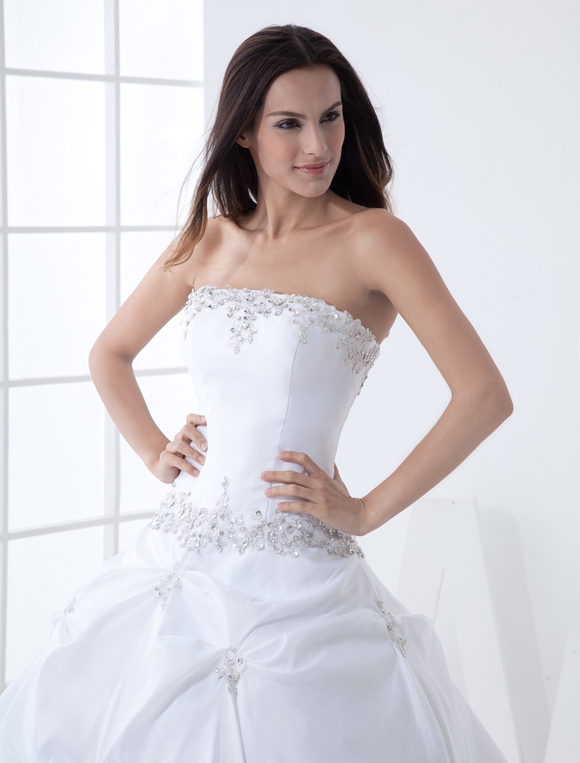 Ball Gown Strapless Beading Taffeta Wedding Dress