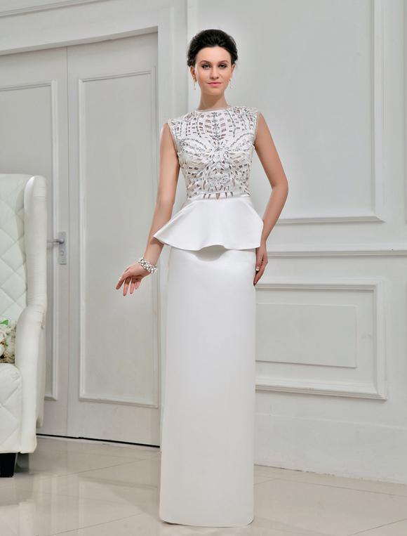 Mariage robe belle fourreau ivoire en satin et col peter for Meilleurs concepteurs de robe de mariage de plage
