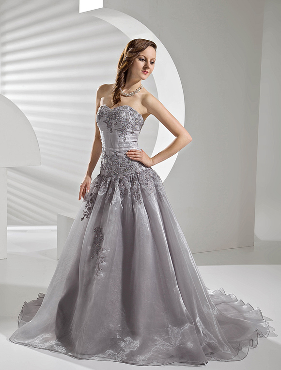 Court Train Silver Organza Wedding Dress With A Line Sweetheart Neck Applique