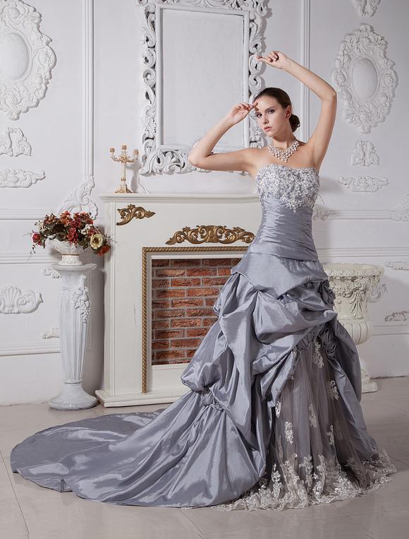 Robe de mariage en boule en taffetas argent bustier for Robes de mariage en argent