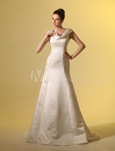 Mariée robe élégante A-ligne ivoire en satin détail col bénitier ...
