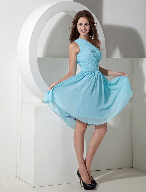 robe demoiselle d 39 honneur bleue ciel claire une paule. Black Bedroom Furniture Sets. Home Design Ideas