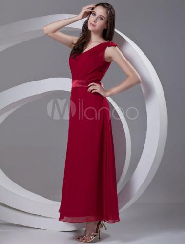 robe demoiselle d 39 honneur a ligne bordeaux en chiffon. Black Bedroom Furniture Sets. Home Design Ideas