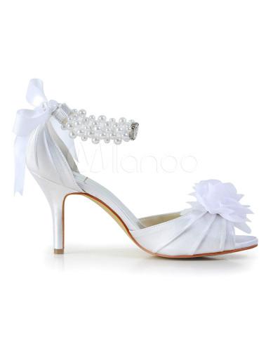 elegante sandaletten mit perlen applikation und blumen. Black Bedroom Furniture Sets. Home Design Ideas