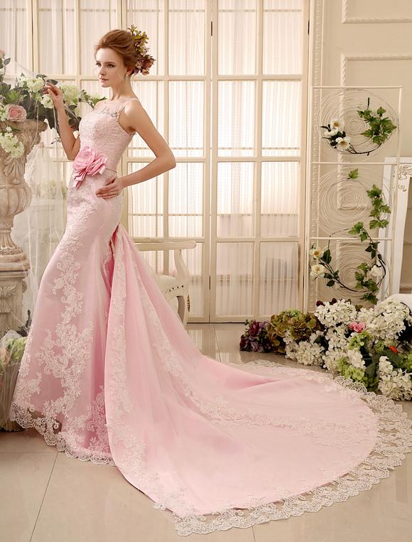 rosa spitze etui brautkleid mit blumen deko und. Black Bedroom Furniture Sets. Home Design Ideas
