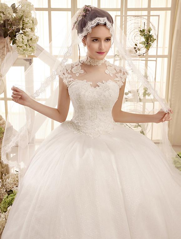 Robe de mari e ivoire boule avec perles de col roul for Meilleurs concepteurs de robe de mariage de plage