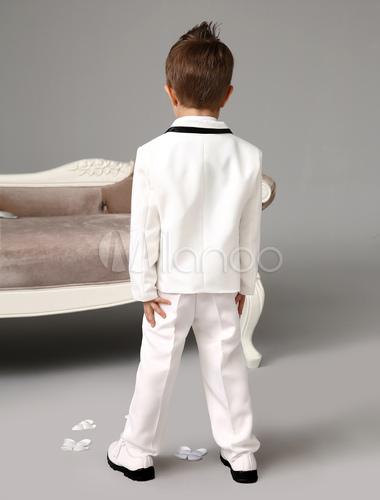 jungen anz ge f r hochzeit mit hemd und krawatte in wei. Black Bedroom Furniture Sets. Home Design Ideas
