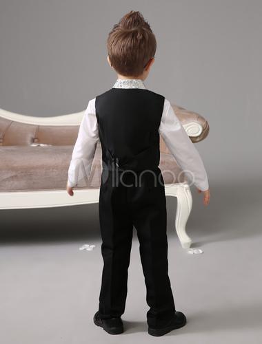 jungen anz ge f r hochzeit mit hemd und krawatte. Black Bedroom Furniture Sets. Home Design Ideas