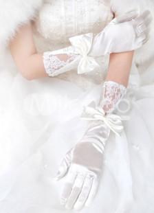 Gants nuptiaux pour la mariée avec dentelle et nœud