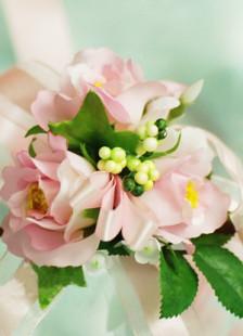 Fleurs de mariage petit bouquet au poignet en soie rose adorable