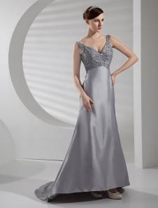 Свадебное платье A-силуэт с V-декольте с церемониальным шлейфом из тафты с бусинами