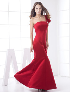 Plus-Size Bridesmaid Dress | ElegantPlus.com Spring 2013 Editor's Pick, Sizes 2-26W
