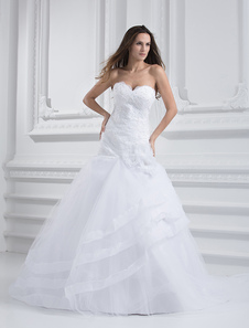 Vestido de novia blanco sin tirantes con escote de corazón