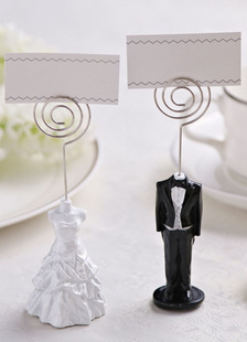 metal-wedding-place-cards-one-couple