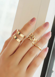 gorgeous-gold-metal-leaf-party-ring-set-for-women