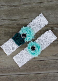 lace-wedding-garter-santin-flower-pealrs-bridal-garter