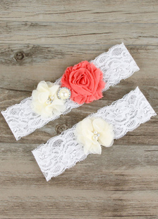 white-wedding-garters-lace-flower-simple-bridal-garter