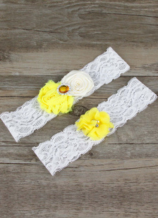 white-wedding-garters-flower-rhinestone-decoration-lace-bridal-accessories