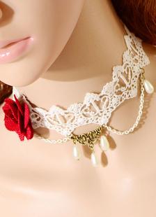 Image of Bianco perla maglia collana di fiori