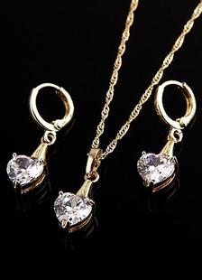 Magnifique ensemble bijoux mode en Cubic Zirconia de pendentif en coeur