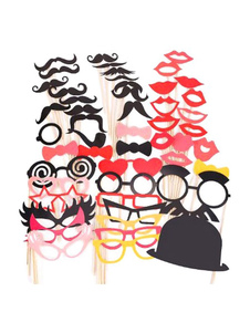 Image of        Carnevale Costume accessori multicolore in carta vacanza costume foto cavalletto