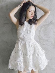 Abito plissettato bianco di pizzo monocolore pizzo donna a girocollo smanicato chic & moderno