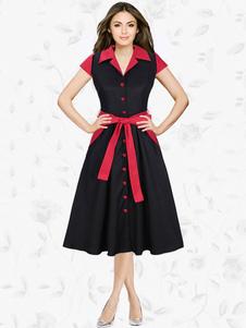 Image of Il manicotto corto del collare di turndown del vestito dall'annata nera merletta in su il vestito pieghettato del pattinatore